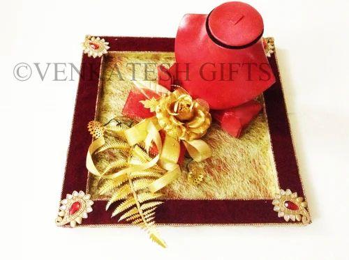 Fancy Wedding Jewelery Trays