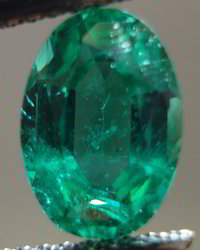Oval Cut Beautiful Color Natural Emerald Stone
