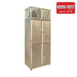 4 Door Freezer, Capacity: 1200 L