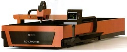 Fiber Laser Cutting Machine With Automatic Interchangeable