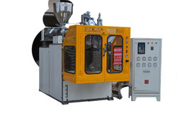 Auto Deflashing Blow Molding Machine