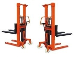 Hand Operated Pallet Stackers