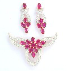 Ruby and Diamond 18K Gold Jewelry Pendant Set