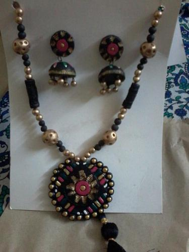 Hand Made Jewellery Hand Made Necklace Set Manufacturer From Chennai