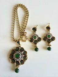 Green Antique Pendant Set