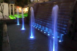 Trickling with Vertical Jet Fountain
