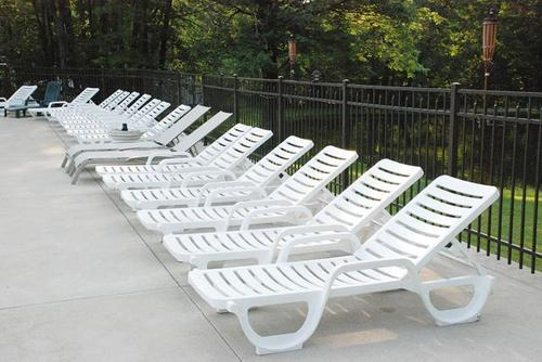 Decent Furniture Plastic Deck Chair