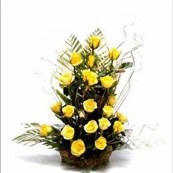 20 Yellow Rose Arrangement Flower Baskets