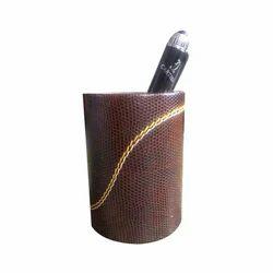 Fashionable Pen Holder
