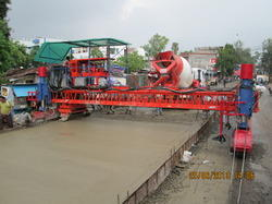Concrete Road Paving Machine
