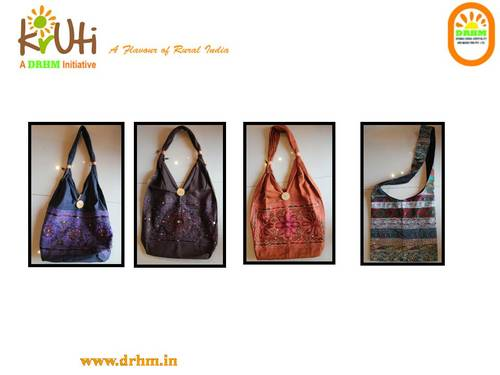 Applique bags view specifications & details of fashion bags by