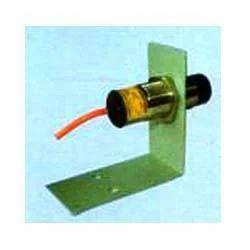 Proximity Switch with mounting bracket